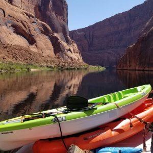 kayak-horseshoe-bend-hauling-backhauling-kayaks