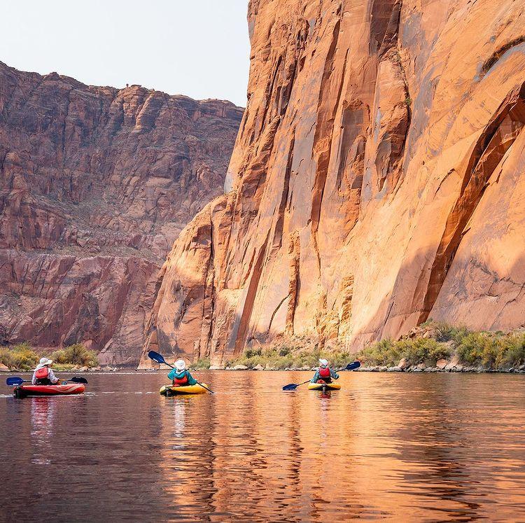 kayaking-horseshoe-bend-grand-canyon-az-outfitter