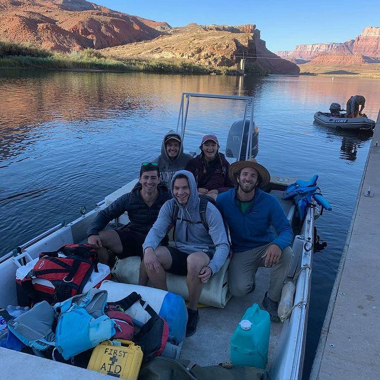 marble-canyon-horseshoe-bend-boat-tours-backhaul-camp-kayak
